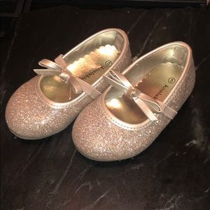 New Champagne Gold Glitter Mary Janes w bow strap